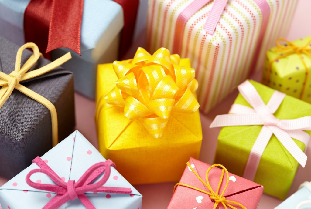 Gifts with different colors